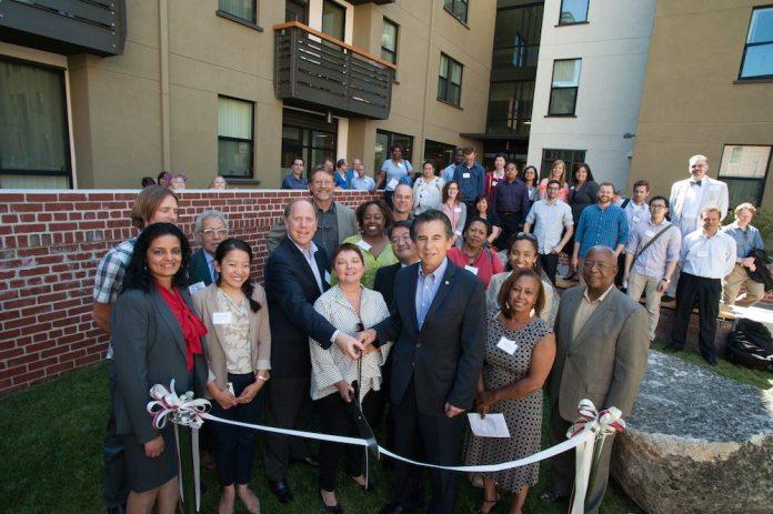 Oakland, BRIDGE Housing, Terraza Palmera, affordable housing, below market rate, Van Meter Williams Pollack, Bay Area news, James E. Roberts-Obayashi