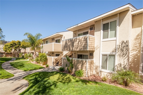 Silicon Valley San Jose Campbell Los Altos Altos Apartments Campbell Plaza Apartments JP Morgan Palo Alto Mountain View Cupertino Sunnyvale Los Gatos AEW Capital Management Merrill Gardens Sol@Campbell Institutional Property Advisors