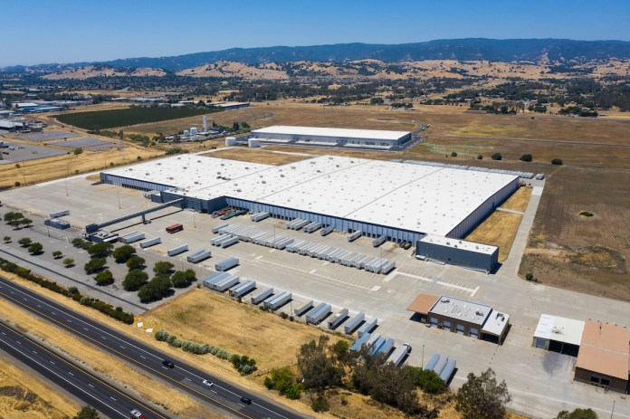 Vacaville North Bay Logistics Center DRA Investors 700 Crocker Drive PCCP LDK Ventures Newmark Serena & Lily Wineshopping.com