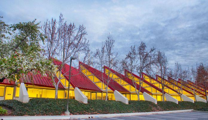 5301 Patrick Henry Drive Hines Crown Realty & Development Santa Clara Silicon Valley San Jose Bay Area VTA ACE