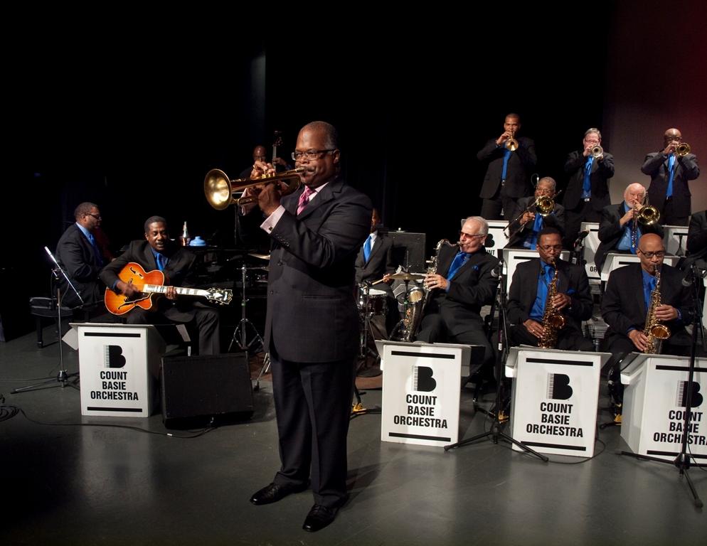 https://i0.wp.com/news.theurbanmusicscene.com/wp-content/uploads/2015/10/Count_Basie_Orchestra_Photo_by_Stephen_Butler2.jpg