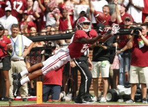 Sep 22, 2018; Tuscaloosa, AL, USA; Alabama Crimson Tide wide receiver DeVonta Smith (6) stretches out for a touchdown catch in the first quarter against Texas A&M Aggies at Bryant-Denny Stadium. Mandatory Credit: Marvin Gentry-USA TODAY Sports