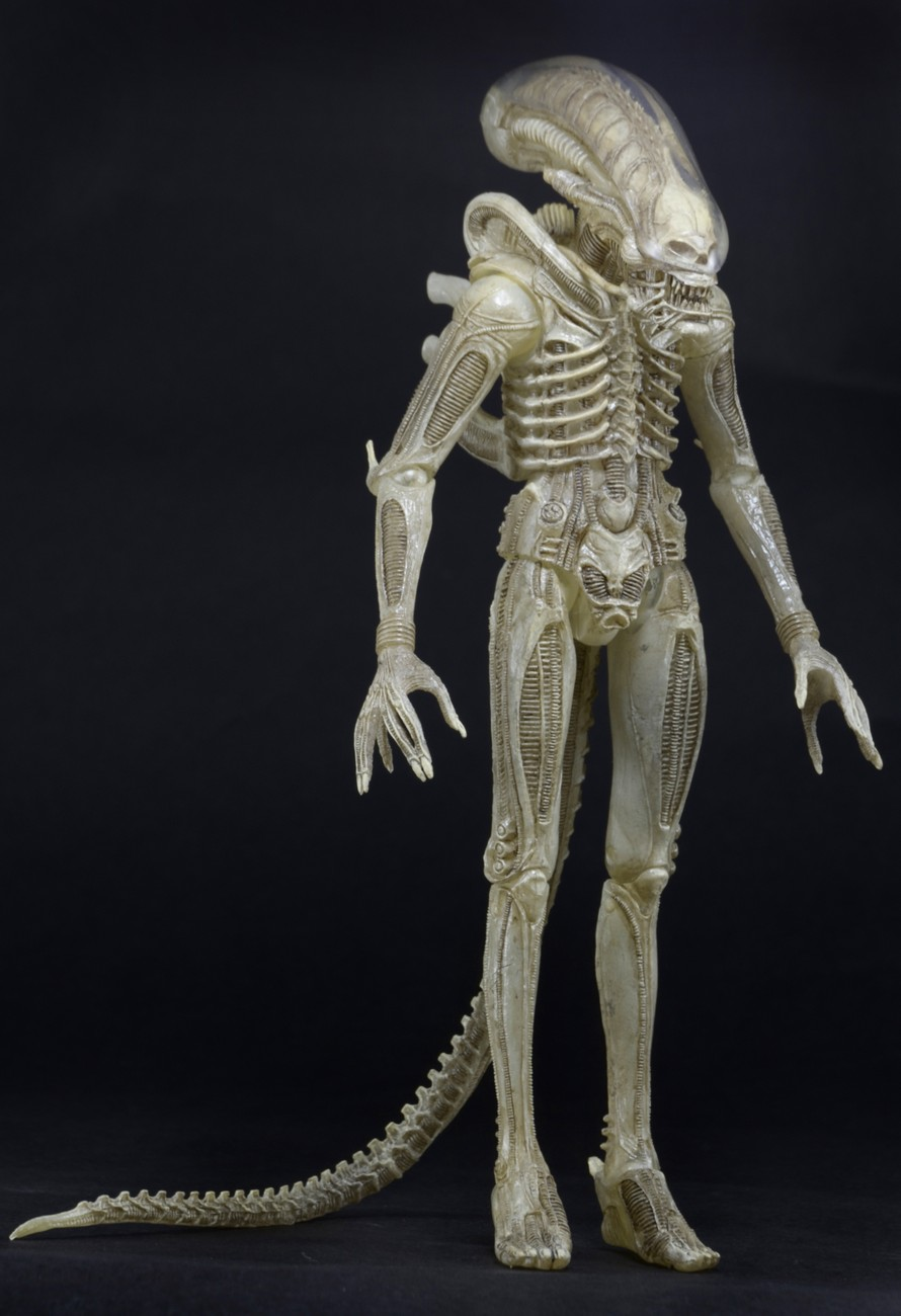 NECA Quarter Scale Concept Alien Announced 003