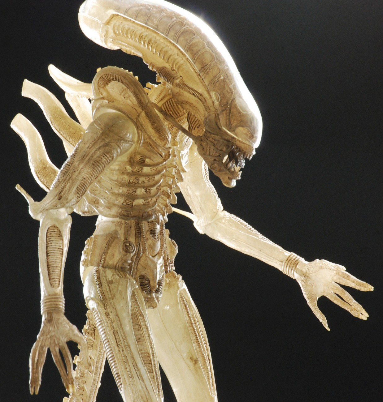 NECA Quarter Scale Concept Alien Announced 004