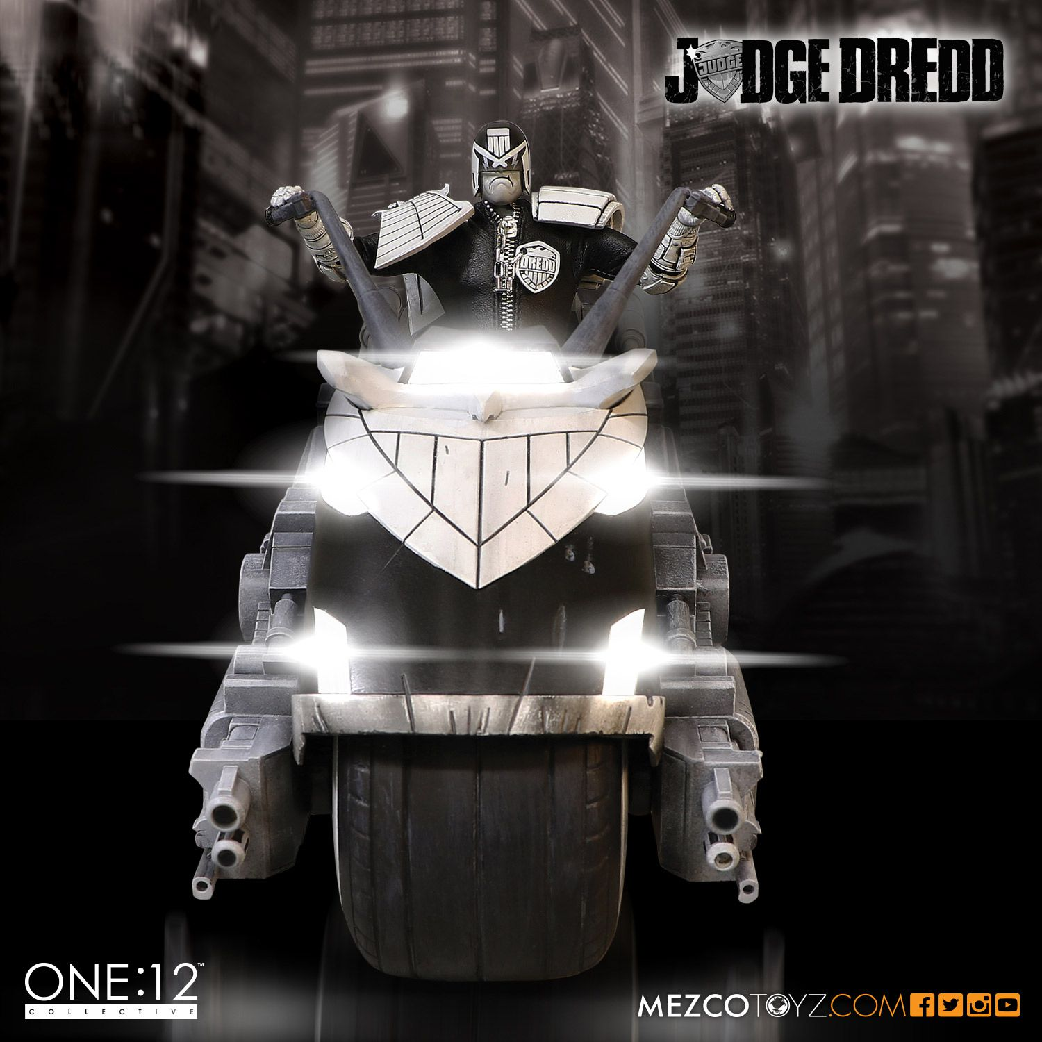 SDCC One12 BW Judge Dredd Set 003