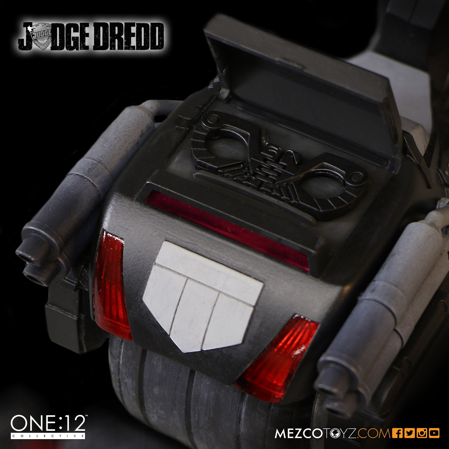 SDCC One12 BW Judge Dredd Set 007