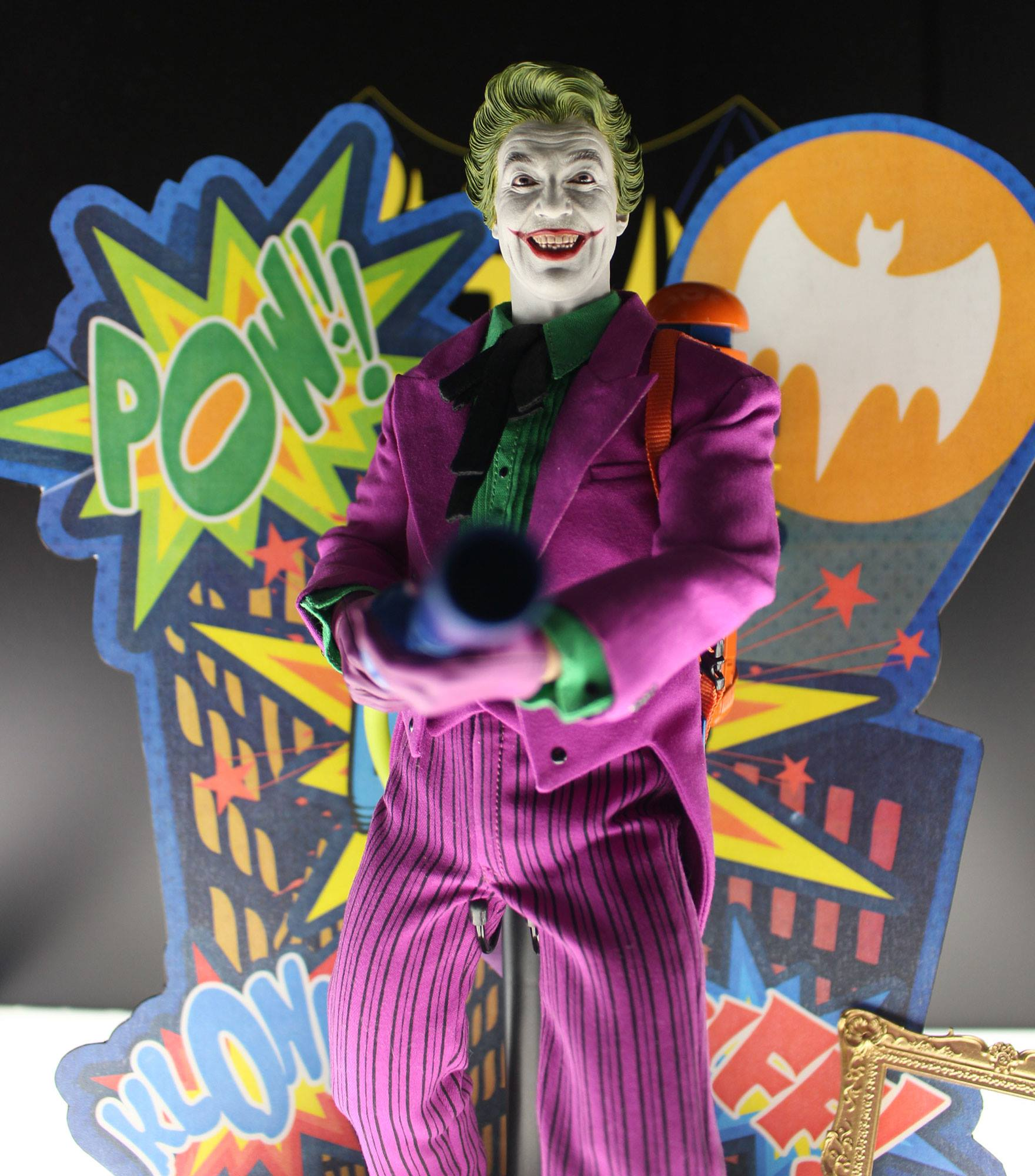 Joker Classic TV Hot Toys 001