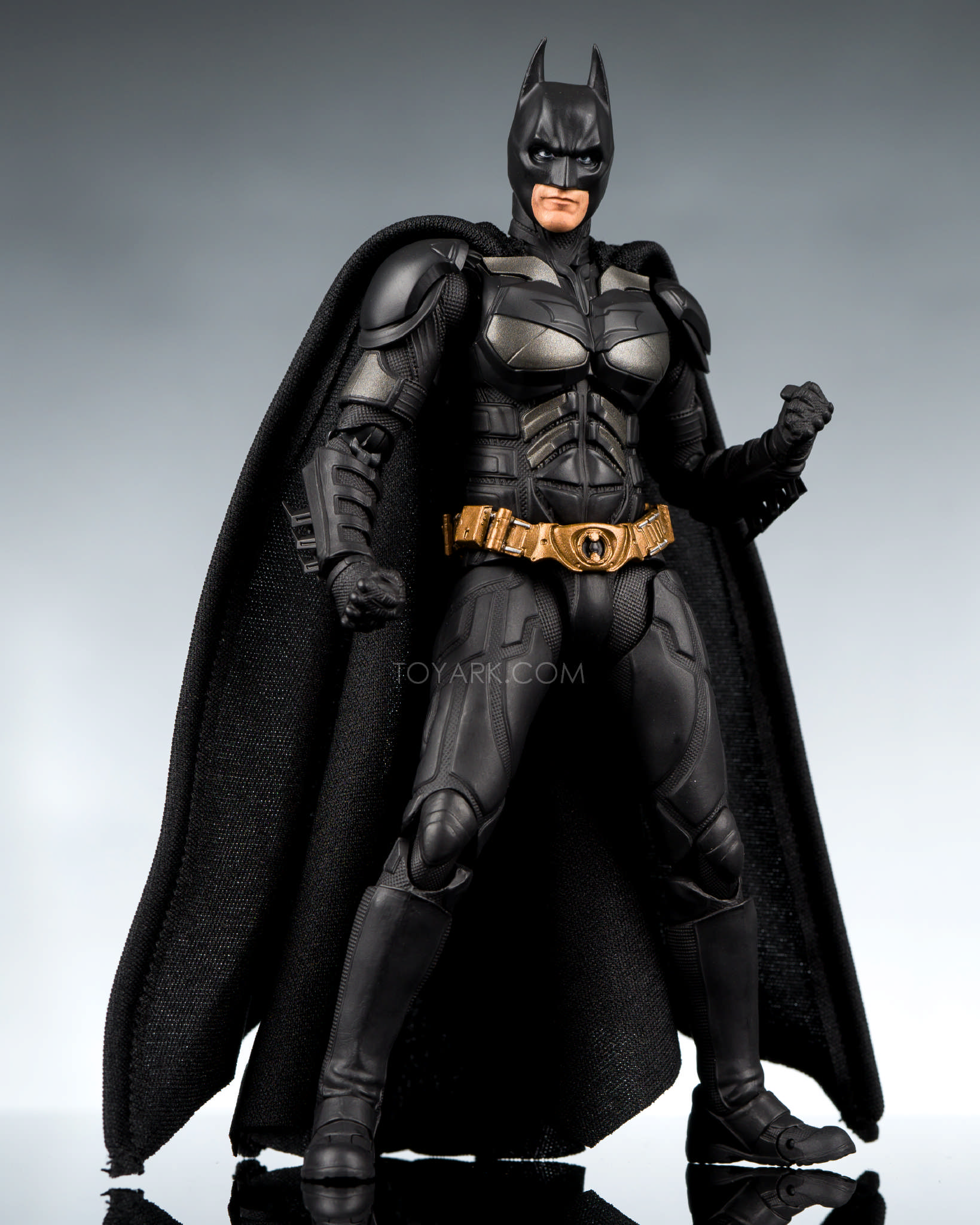 Sh Figuarts The Dark Knight Batman  Early Inhand First