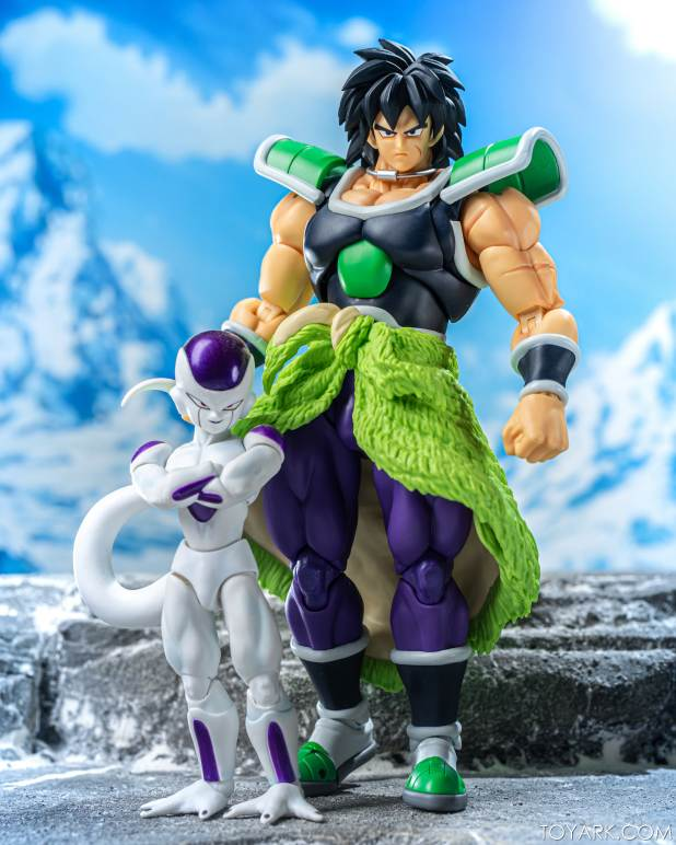 SHF Broly Base Form 021