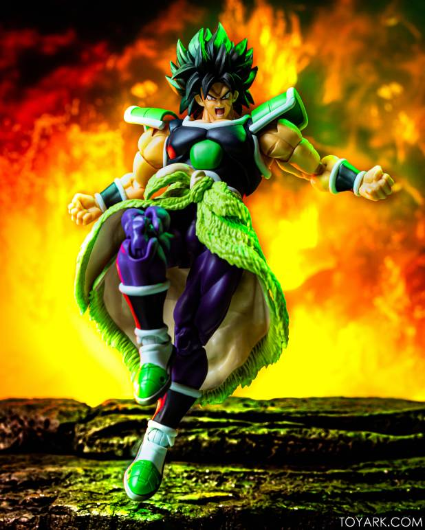 SHF Broly Base Form 032