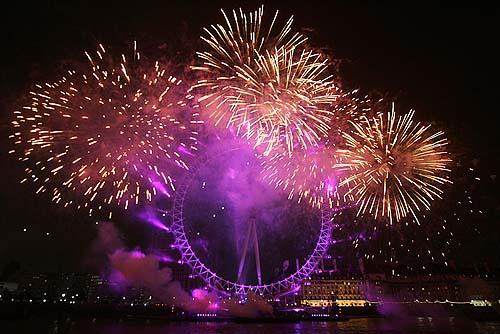 العالم يستعد لاستقبال العام 2013