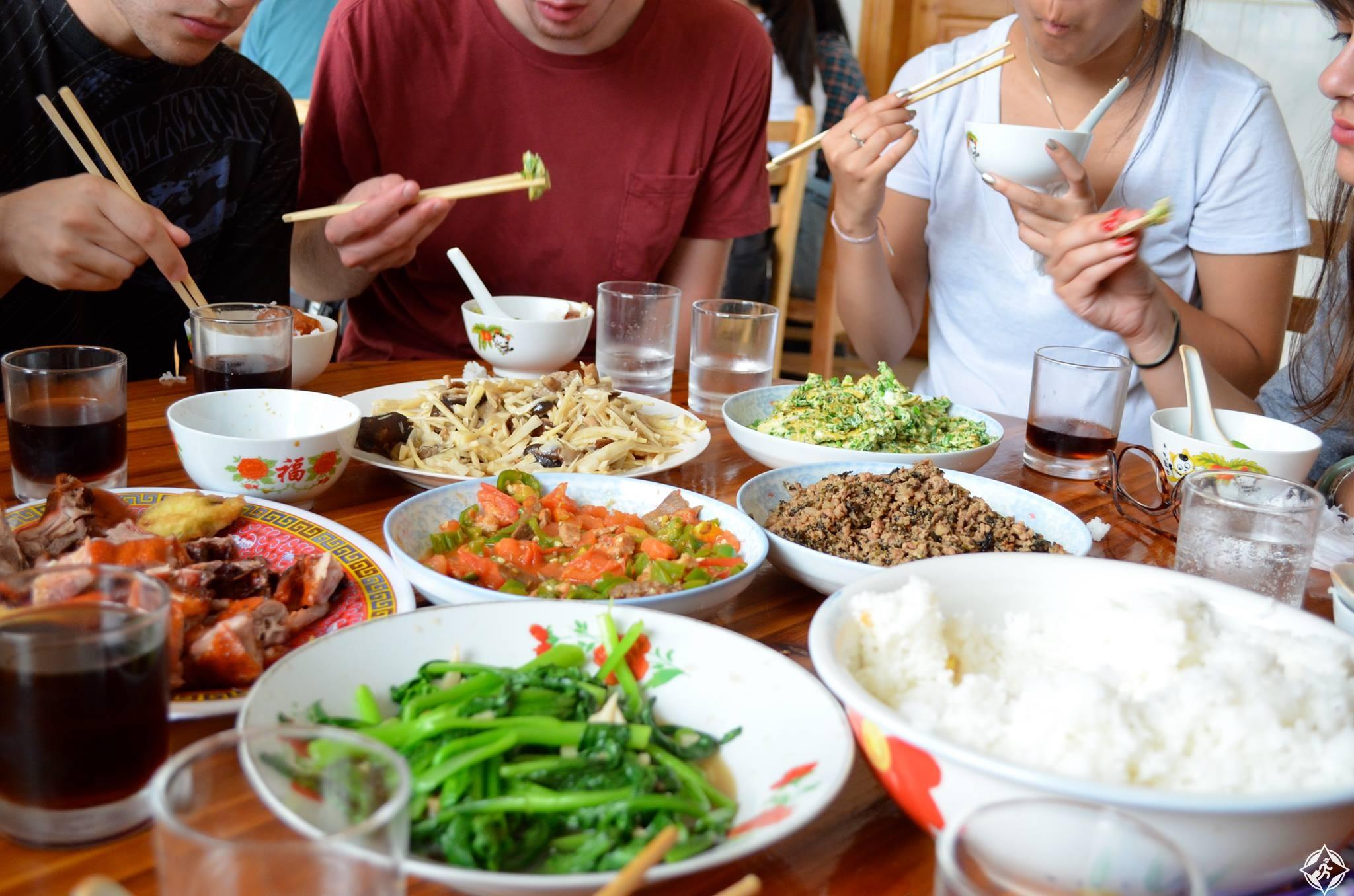 نتيجة بحث الصور عن اداب تناول الطعام فى اليابان