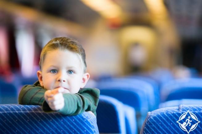 الطفل في وسائل النقل