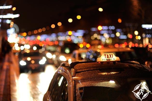 استقلال التاكسي في باريس