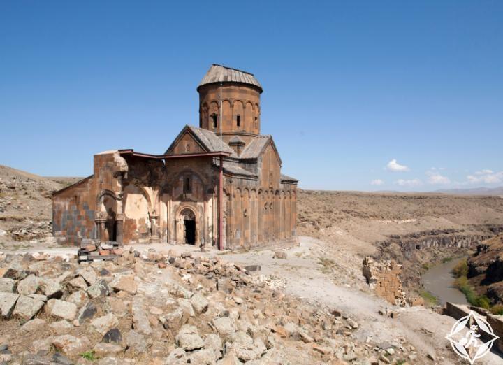 الكنوز العاني الأثرية