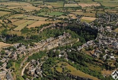 بوزولس قرية في أفيرون فرنسا