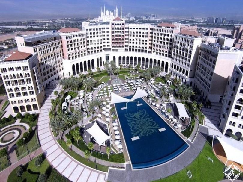 الإمارات-أبوظبي-فندق ريتز كارلتون أبوظبي القناة الكبرى-أفضل فنادق خمس نجوم في أبوظبي