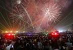 عروض مذهلة للألعاب النارية وسط مدينة دبي احتفالاً بليلة رأس السنة الجديدة