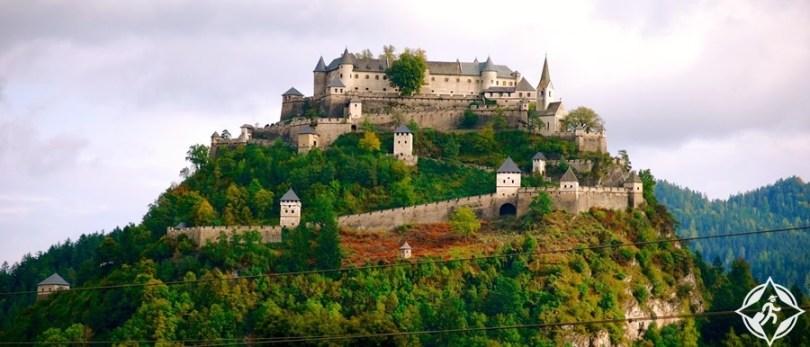 المعالم السياحية في كلاغنفورت - قلعة هوكوستيرويتز