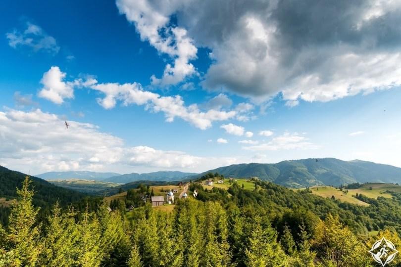 أسباب تدفعك للسفر أوكرانيا الصيف جبال-الكاربات.jpg?re
