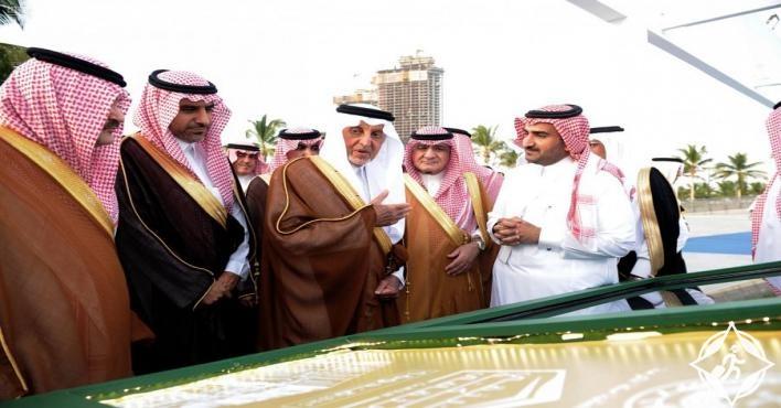 الأمير خالد الفيصل يفتتح الحديقة الثقافية بجدة