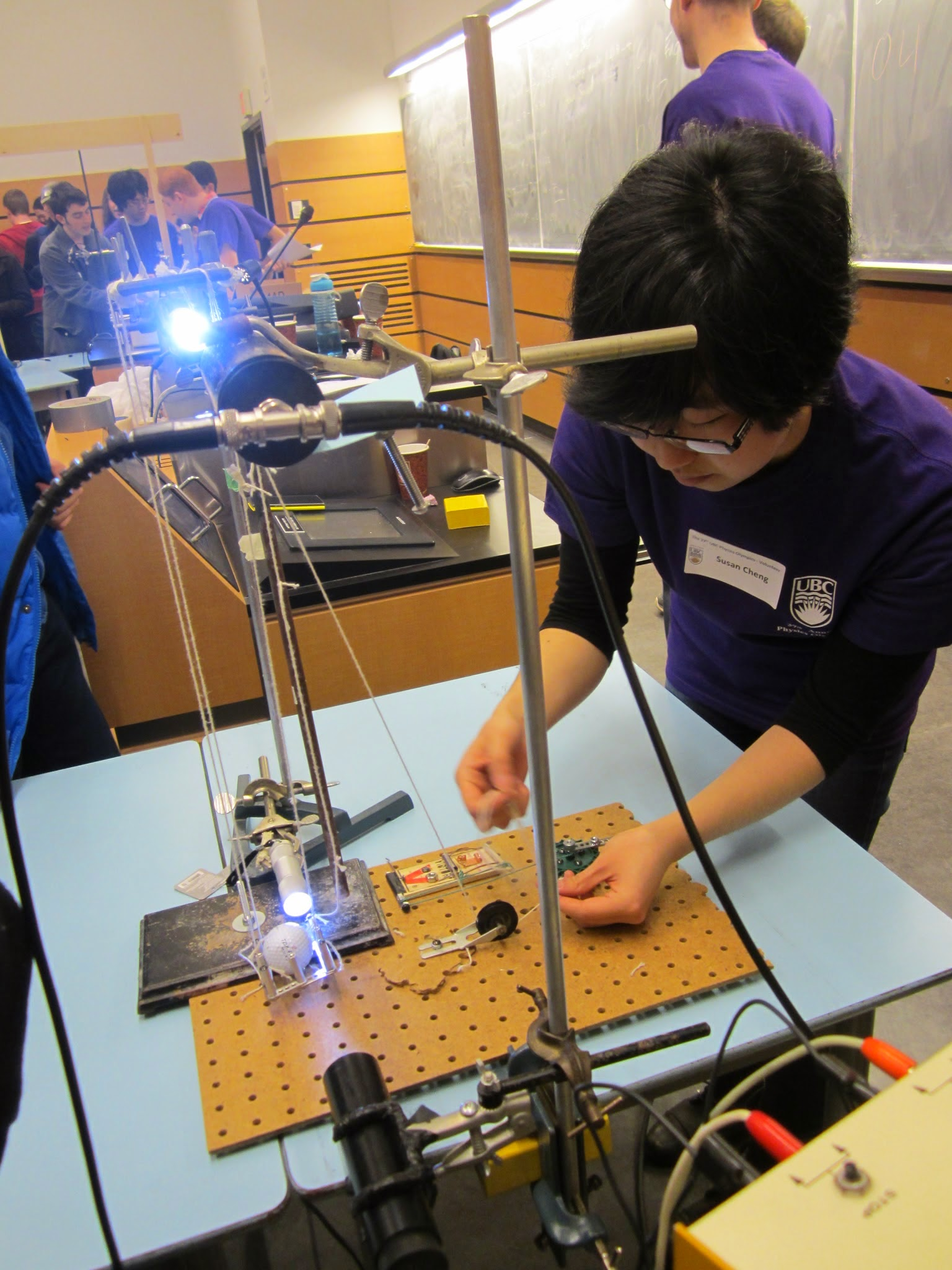 High school students compete in Physics Olympics