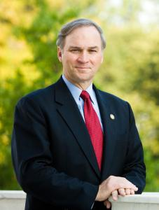 Randy_Forbes,_official_Congressional_photo_portrait,_standing
