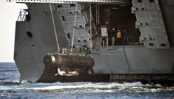 McCain, Reed Chide Navy Over Problems with LCS Mine