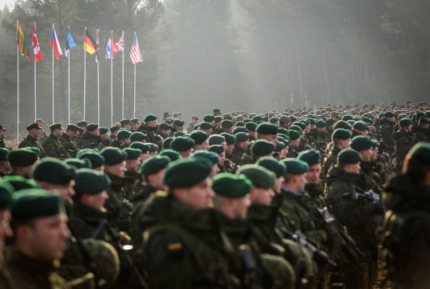 Atlantic Council Report: Sanctions, Increased NATO Military Presence Key to Deterring Russia