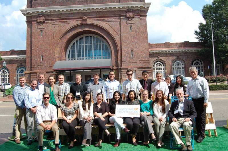 LA-Students and Faculty-in Chattanooga