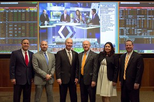 Jim Wansley, department head of finance, Haslam College of Business; Kevin Crateau, vice president of Regions; Mike McNamee, area president of Regions; Steve Mangum, dean, Haslam College of Business; Laura Seery Cole, director of the Masters Investment Learning Center, Haslam College of Business; and Bruce Duggins, senior vice president of Regions.