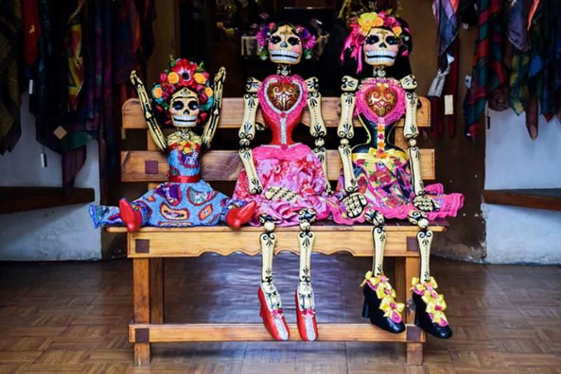 Calavera dolls