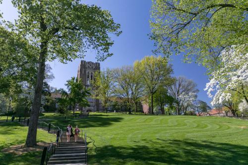 170409_2018_04_20_spring_blossoms_campus_beauty_41243_EC806
