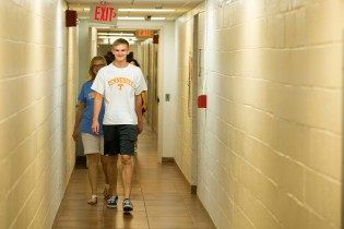 Move in weekend at Hess Hall on August 17, 2019. Photo by Steven Bridges/University of Tennessee