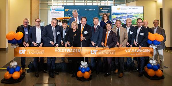 Image of UT, ORNL, Volkswagen representatives with elected officials