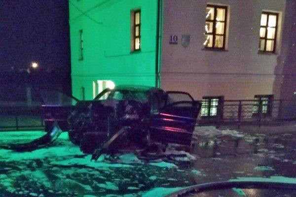 Разбитый «Volvo» пьяного водителя. Фото из соцсетей