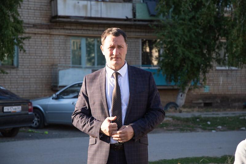 Дмитрий Романов встретился с жителями домов на улице Куйбышева
