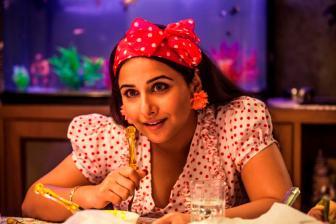 Vidya's 'Ghanchakkar' fashion puts designer in dilemma