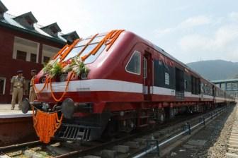 PM opens rail link, Sonia says Kashmiris want peace