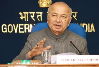 Mumbai gangrape accused to be prosecuted speedily: Shinde
