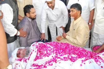 TDP leader Lal Jan Basha dies in accident