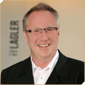 Randverbund-Silikon im Praxistest - Hr. Lindner von der Firma Lagler