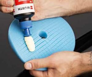 Blaue Polier Pads können Sie z.B. für das Auftragen von Hochglanz-Polituren verwenden.