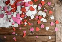 Dường như ý nghĩa của một ngày Chủ nhật đã được nhân đôi lên, hay có thể tin rằng tình yêu sẽ dạy cho ta nhiều điều trong cuộc sống.