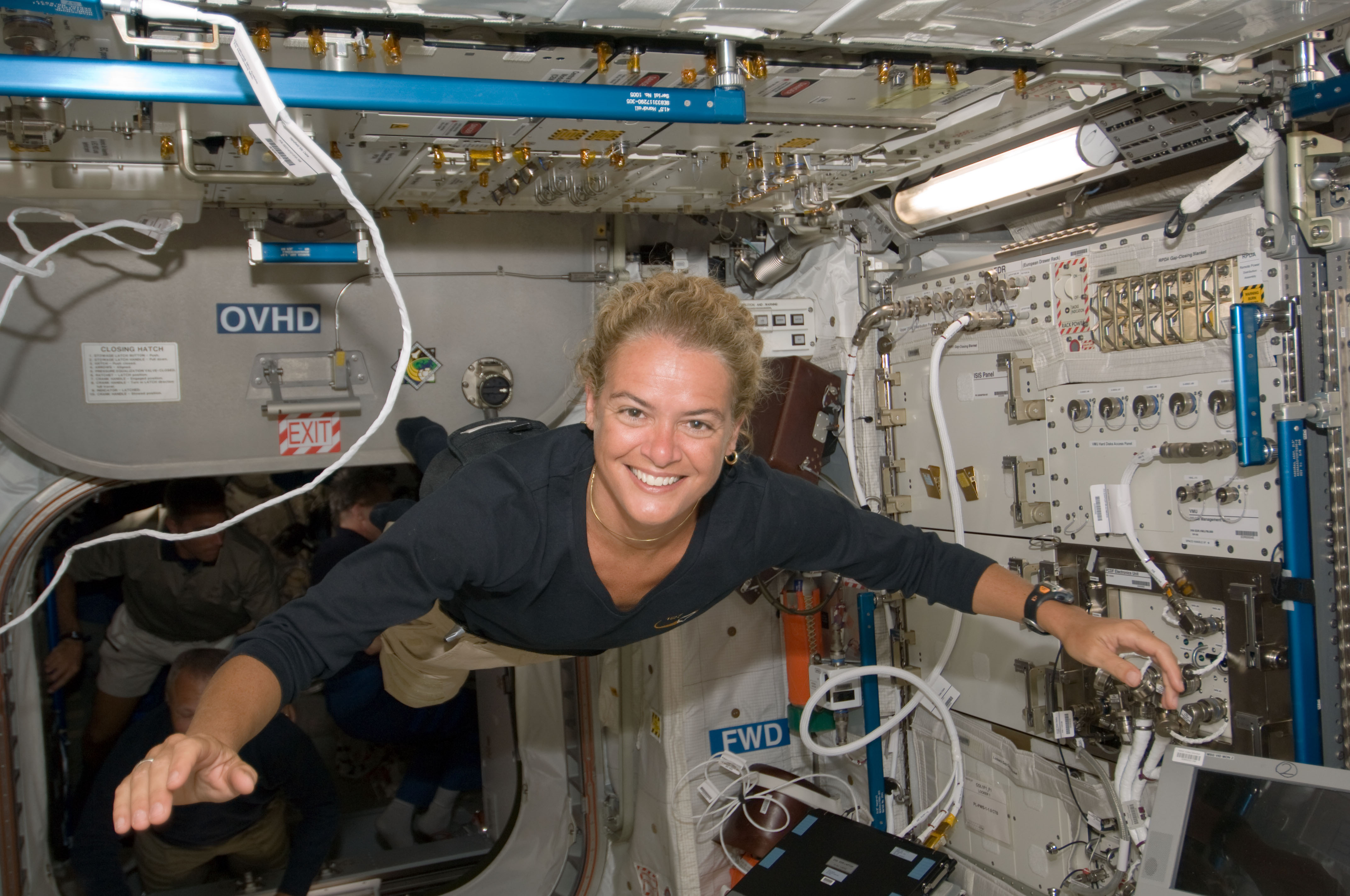 Falling Weed Wallpaper Trailblazing Former Astronaut Will Be Canada S Next