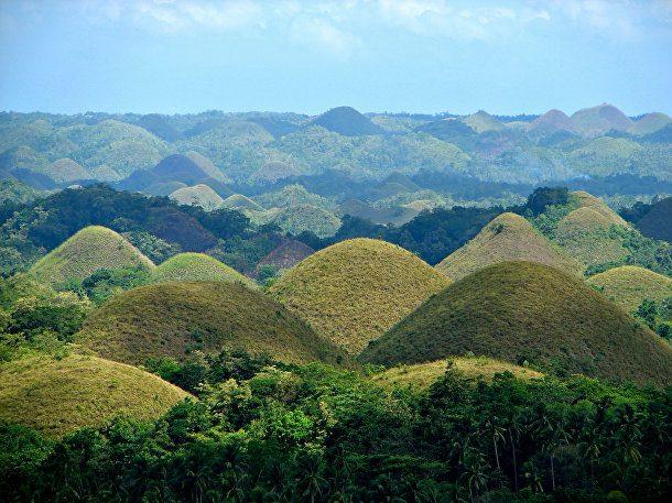Шоколадови хълмове във Филипините
