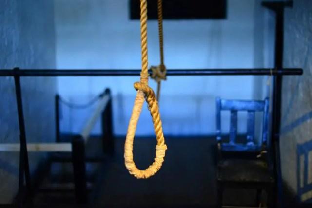 suicide, hanging