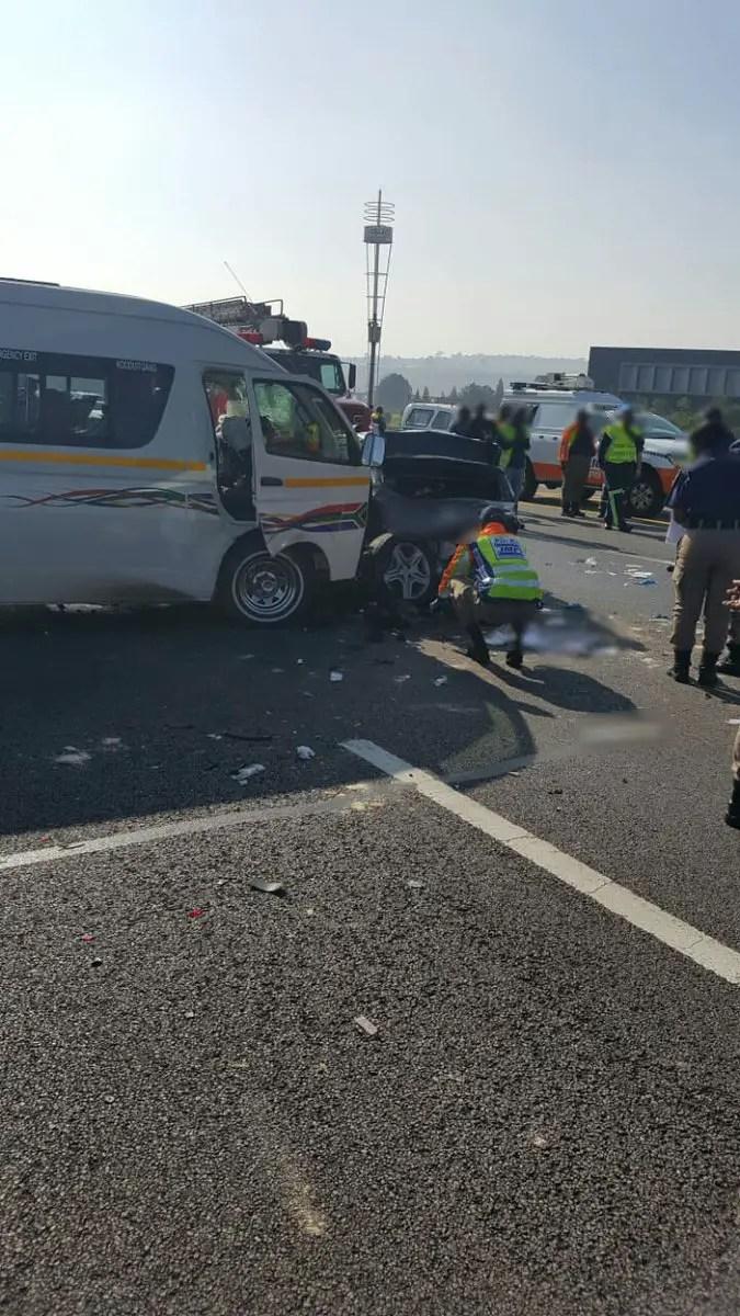 Fatal minibus taxi crash on the N1 - Buccleuch Interchange: PICTURES