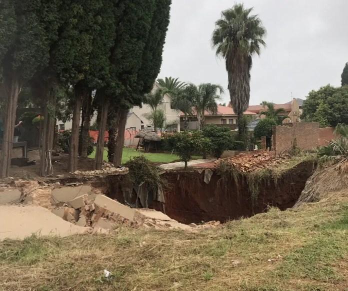sinkhole in Laudium