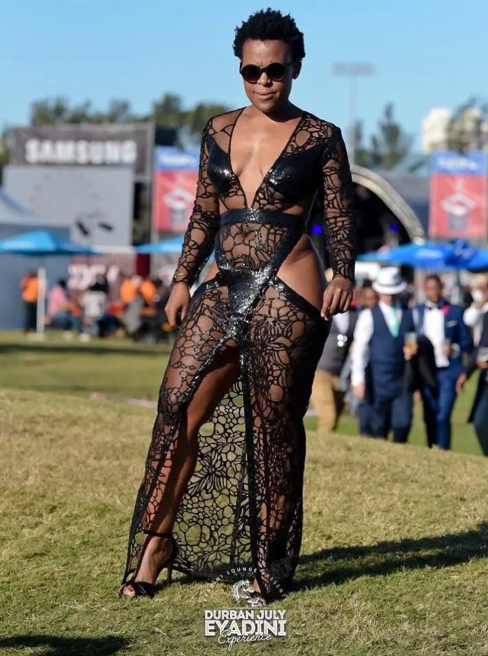 MORE PICTURES OF #ZODWAWABANTU SHOWS SHE NEVER WEAR PANT